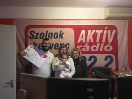 A kiscsalád - Tóth Ágnes a stúdióban látta vendégül a lányokat és Ákost